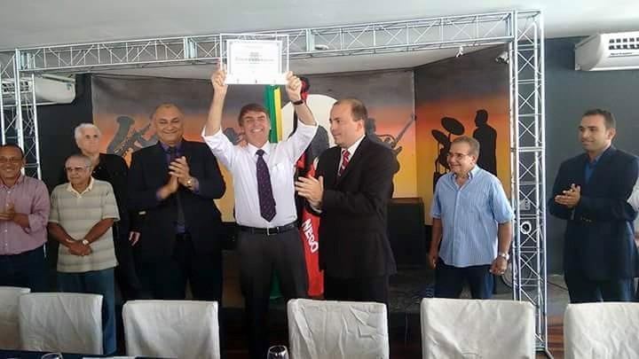 FORA BOLSONARO – PT de Sapé lança abaixo-assinado para cassar título de cidadão concedido a Bolsonaro pela Câmara Municipal