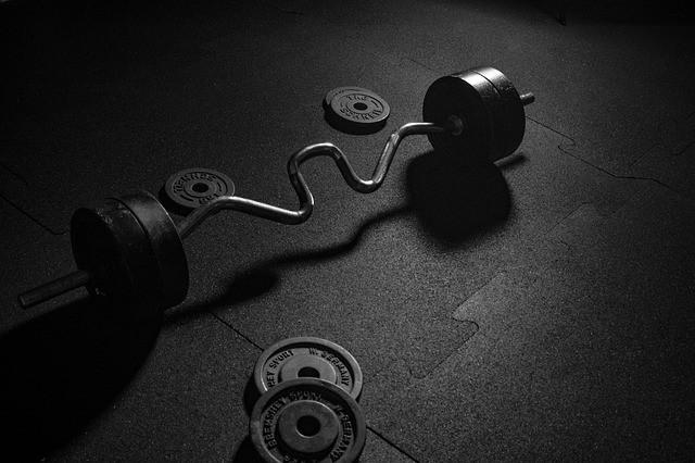Kraftsport kann die Knochendichte verbessern und ist somit bei Osteoporose empfehlenswert