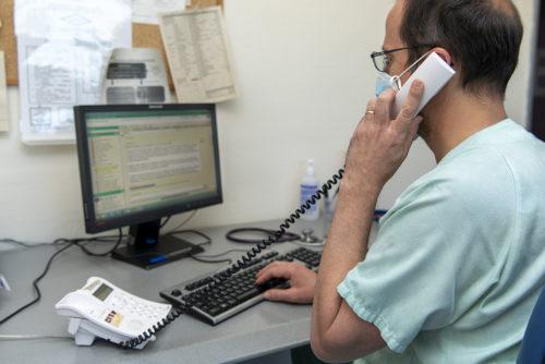 El Hospital de Getafe realiza un seguimiento telefónico domiciliario a pacientes Covid