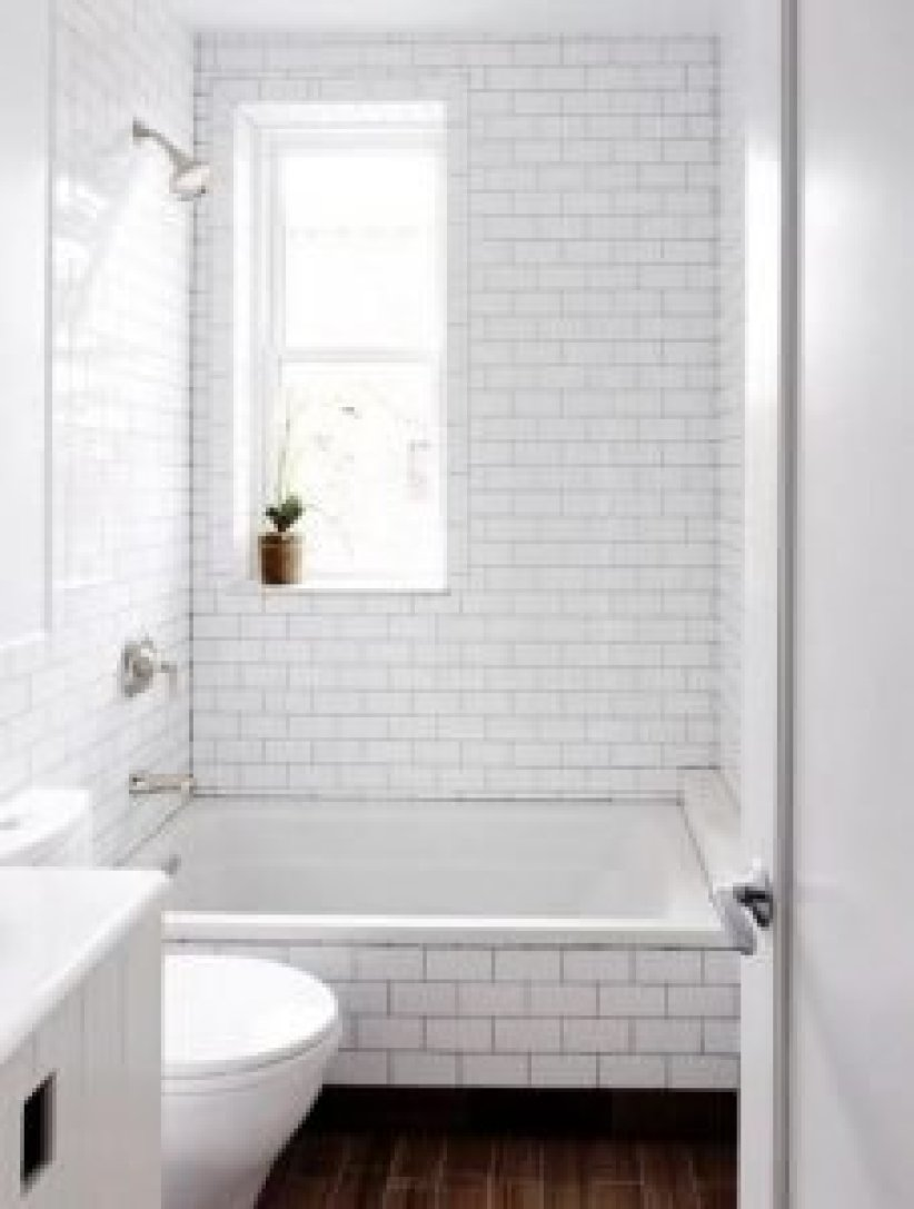 Colorful bathroom tiles for small bathrooms #bathroomtileideas #bathroomtileremodel