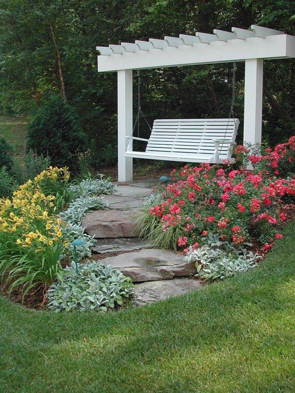 Colorful backyard landscape design pool #backyardlandscapedesign #backyardlandscapingidea #backyardlandscapedesignideas