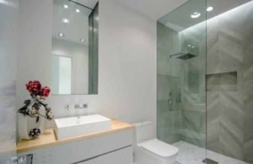 Half Bathroom Decorating Ideas | 29 Half Bathroom Ideas With Beautiful Color Paint Tile Shower Storage