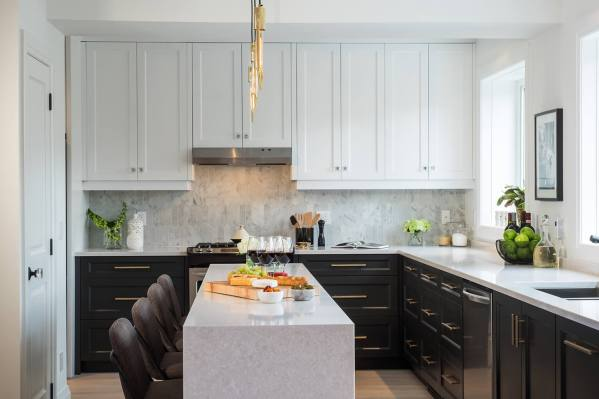 Beautiful cost to reface cabinets in small kitchen #kitchencabinetremodel #kitchencabinetrefacing