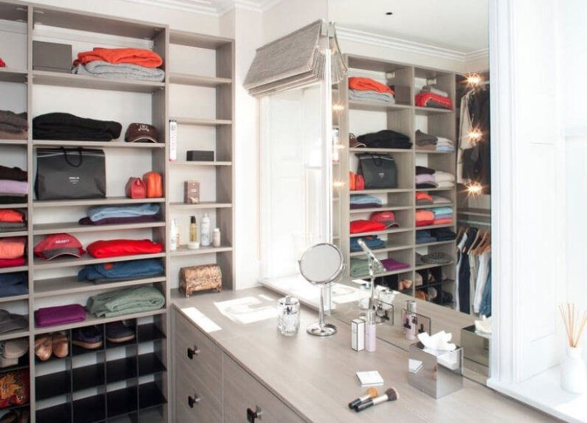 Stunning wooden closet #walkinclosetdesign #closetorganization #bedroomcloset