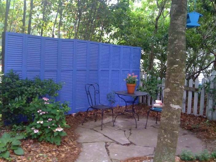 Uplifting lattice fence panels #privacyfenceideas #gardenfence #woodenfenceideas