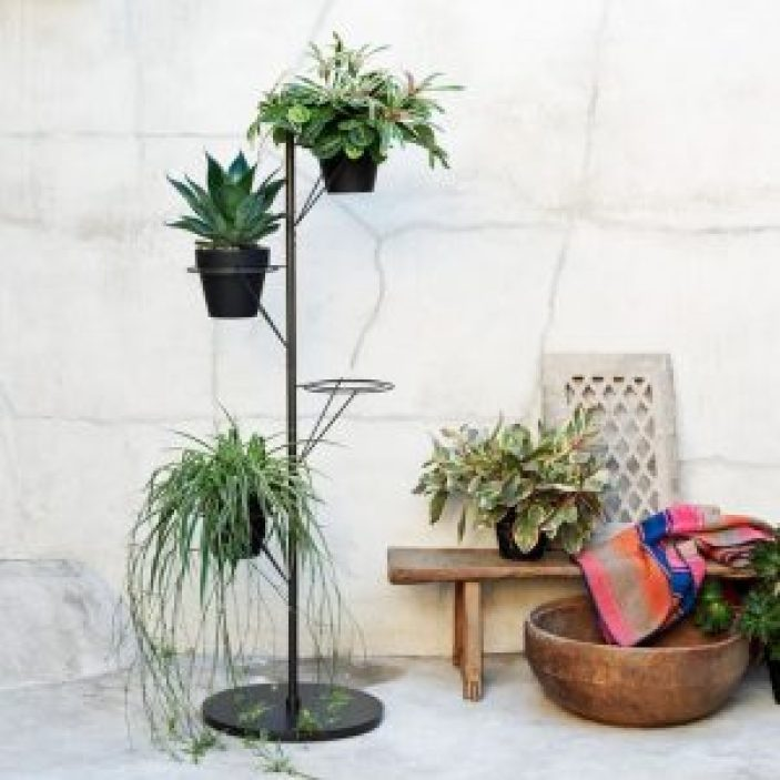 Fabulous plant stand table #diyplantstandideas #plantstandideas #plantstand