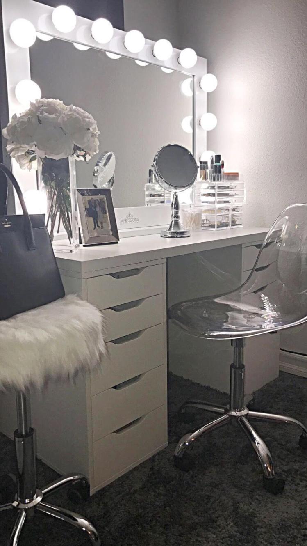 Fantastic makeup vanity table with lights #makeuproomideas #makeupstorageideas #diymakeuporganizer