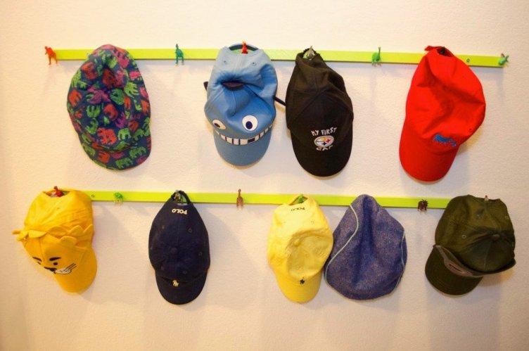 Brilliant wooden hat rack #diyhatrack #hatrackideas #caprack #hanginghatrack