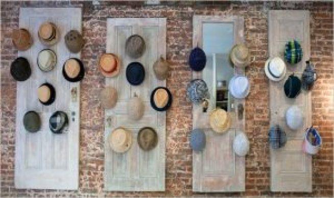 Sensational cool hat rack ideas #diyhatrack #hatrackideas #caprack #hanginghatrack
