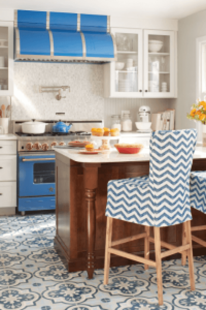 Trending colors to paint your kitchen #kitchenpaintideas #kitchencolors #kitchendecor #kitcheninspiration