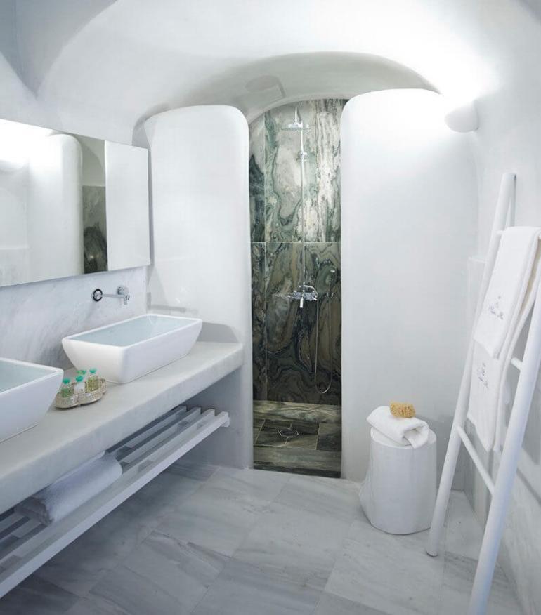 Popular bathroom design ideas for small bathrooms #halfbathroomideas #smallbathroomideas #bathroomdesignideas