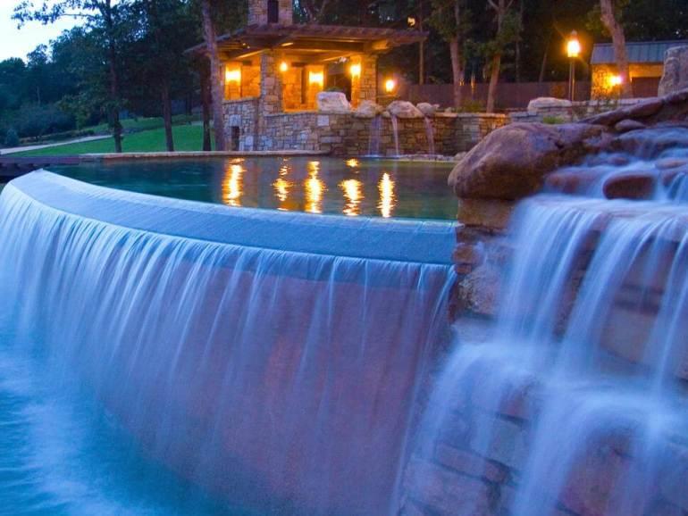 Amazing simple swimming pool designs #swimmingpooldesign #pooldeckandpatiodesigns #smallbackyardpools