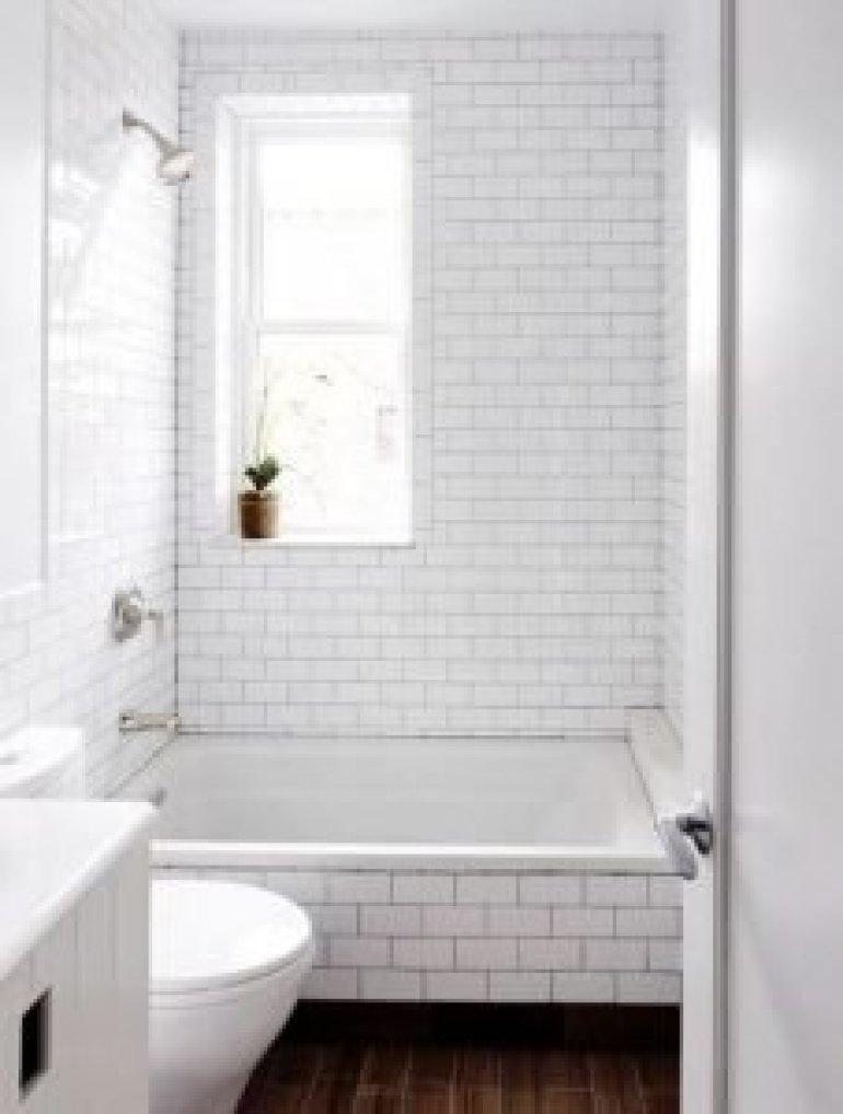Colorful bathroom tiles for small bathrooms #bathroomtileideas #bathroomtileremodel