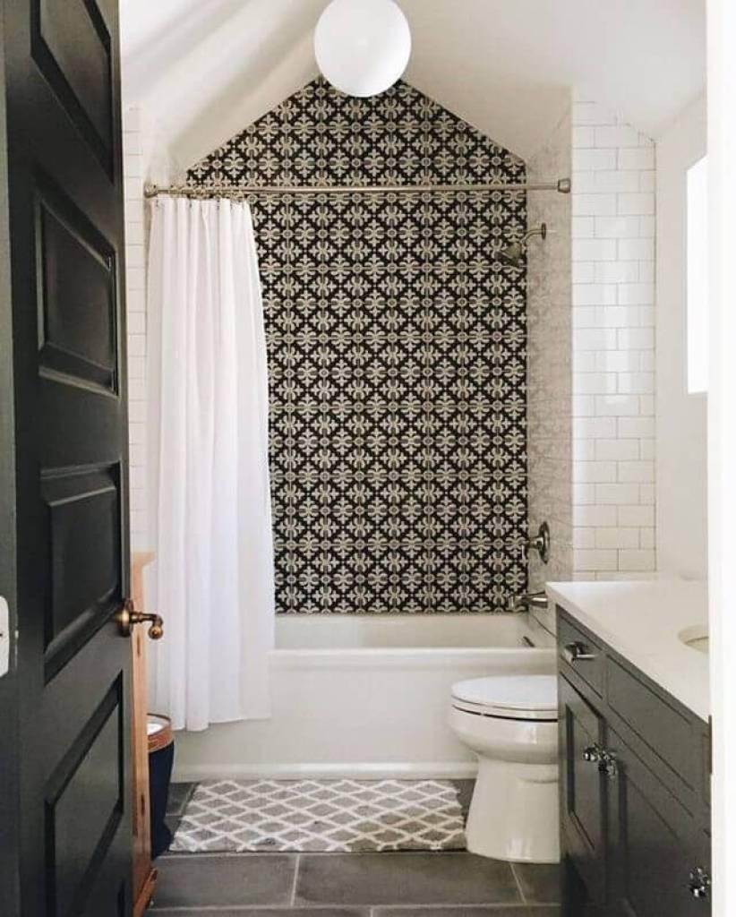Nice bathtub shower tile designs #bathroomtileideas #bathroomtileremodel