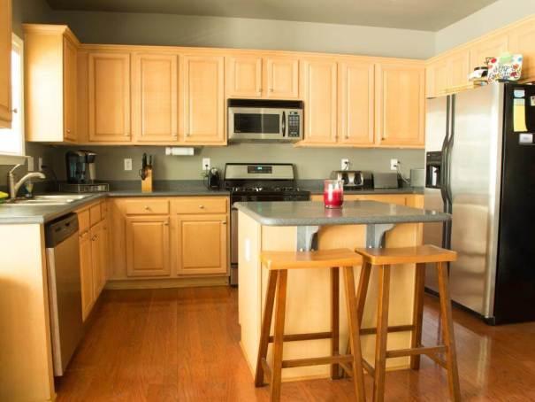 Awesome changing kitchen cabinets #kitchencabinetremodel #kitchencabinetrefacing