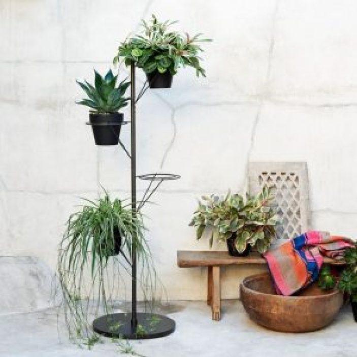 Fabulous plant stand table #diyplantstandideas #plantstandideas #plantstand