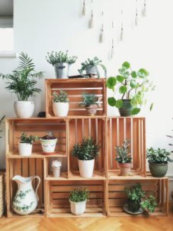 Wonderful tall metal plant stand #diyplantstandideas #plantstandideas #plantstand