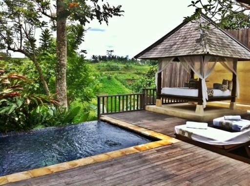 Bali komaneka at tanggayuda