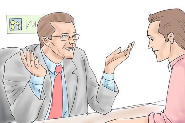 Nhân viên kinh doanh giao tiếp với khách hàng