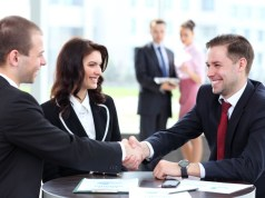 Tìm cách bán giải pháp cho khách hàng