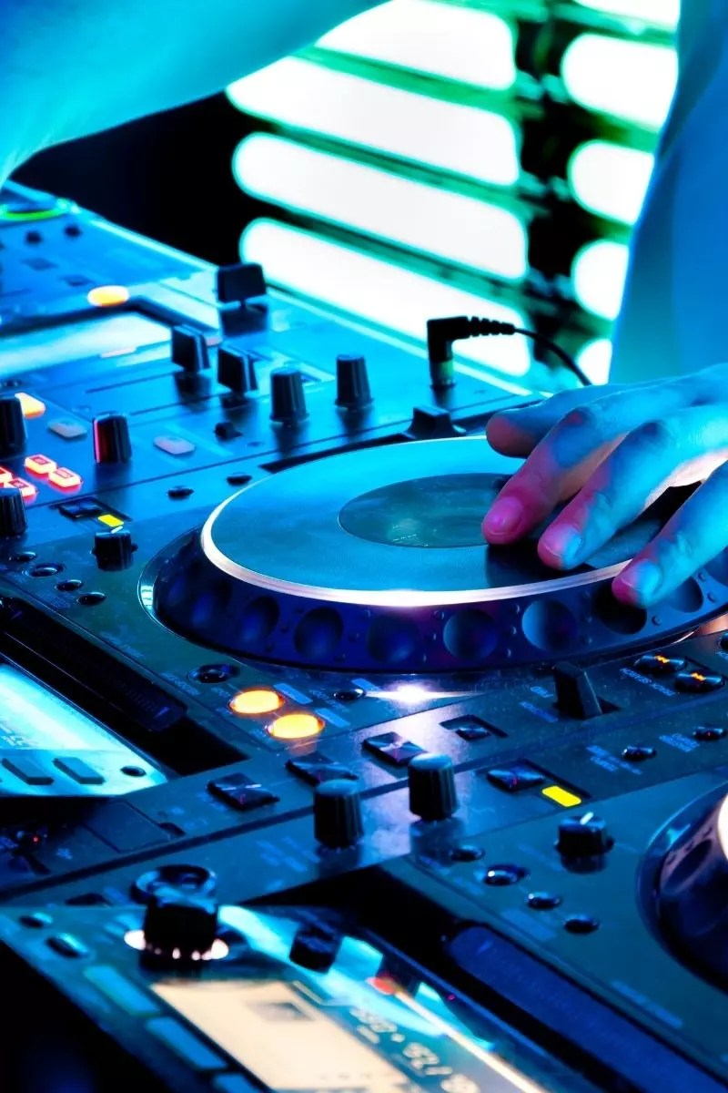 Music-dj-live band