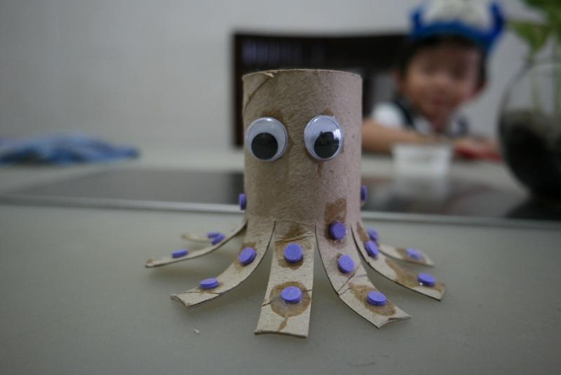 Octopus Toilet Paper Roll Craft Toilet Paper Roll Octopus octopus toilet paper roll craft|getfuncraft.com