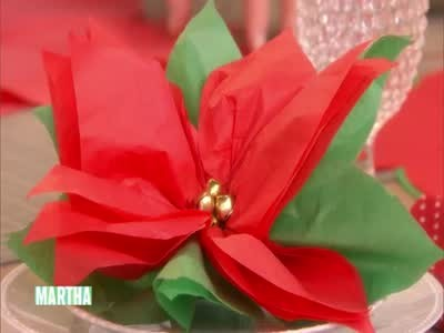 Paper Poinsettia Craft How To Make A Poinsettia Favor Horiz paper poinsettia craft|getfuncraft.com