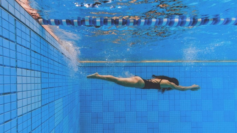 Treat Obesity with Some Simple Exercises swimming 3