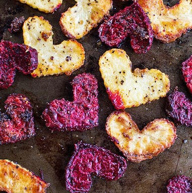 Skip the long waits and make a healthy dinner in for Valentine's Day!