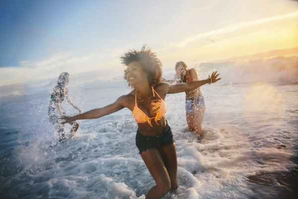 Get ready to hit the beach,hike or enjoy cocktails on the patio with your friends on just a moment's notice with my top tips to love your summer more.
