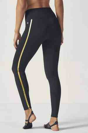 Beat the cold with these leggings for winter!
