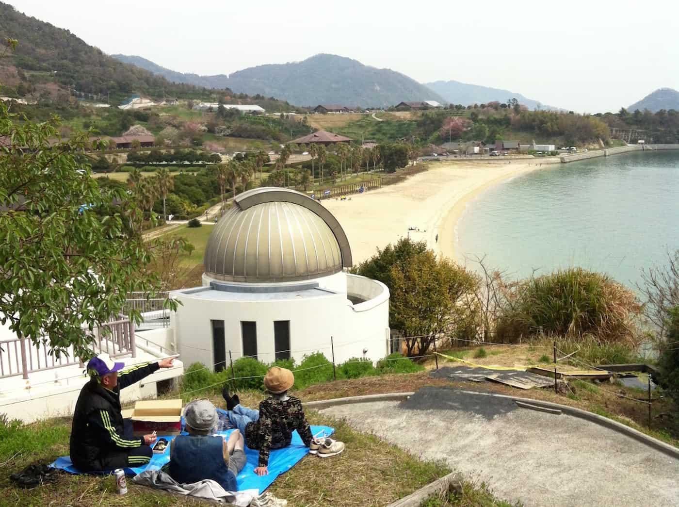 kenmin-no-hama beach park kamagari in hiroshima