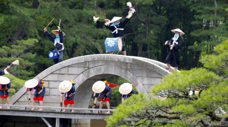 Shukkei-en-Garden-Ritual-Rice-Planting