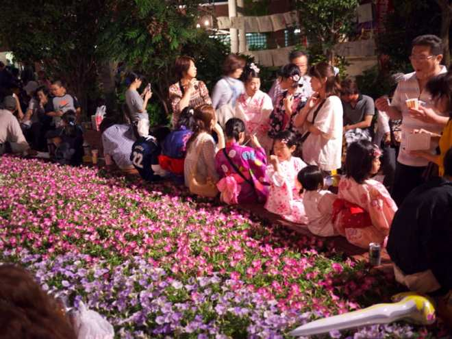Festival-goers at Yukata de bon dance shintenchi at tokasan