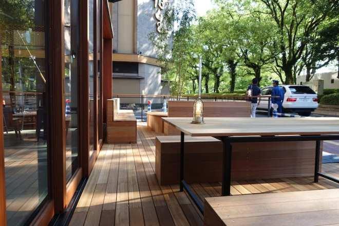 Orizuru Tower - Akushu Cafe outdoor seating