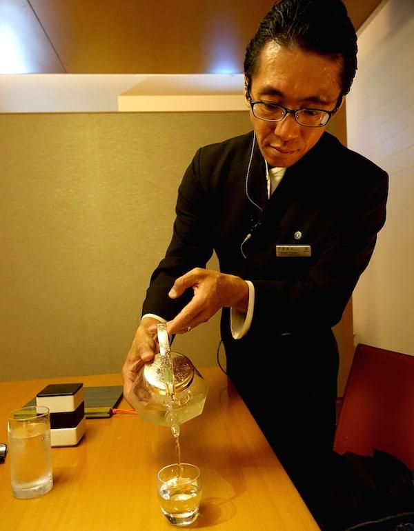 sheraton sake pouring