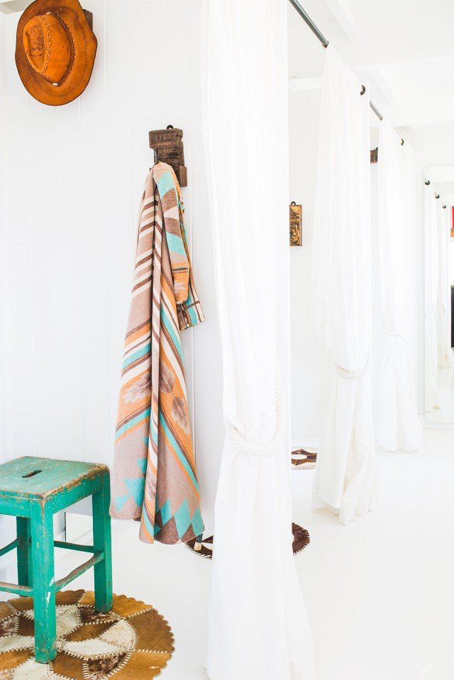 this-cult-australian-fashion-labels-new-byron-bay-concept-store-is-a-boho-dream-1841031-1468908815.640x0c