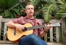 Learn 4 Chords: beginner guitar lessons, start playing songs