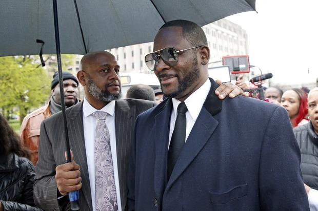R. Kelly Wants To Hire Michael Jackson's Defense Attorney