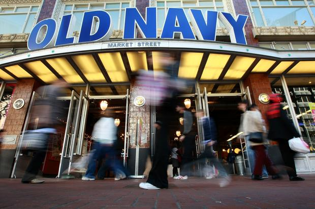 Old Navy Apologizes To Woman Who Was Grabbed & Allegedly Racially Profiled By Employee