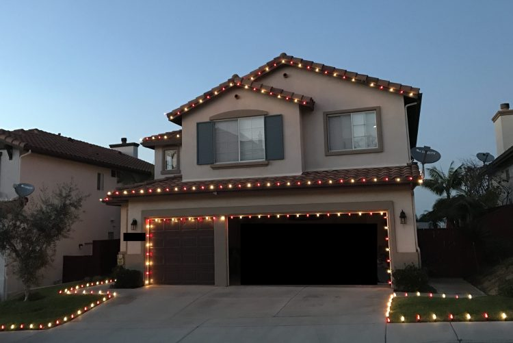 red-white-christmas-lights-carlsbad