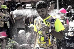4 Carnaval Foam bw sm