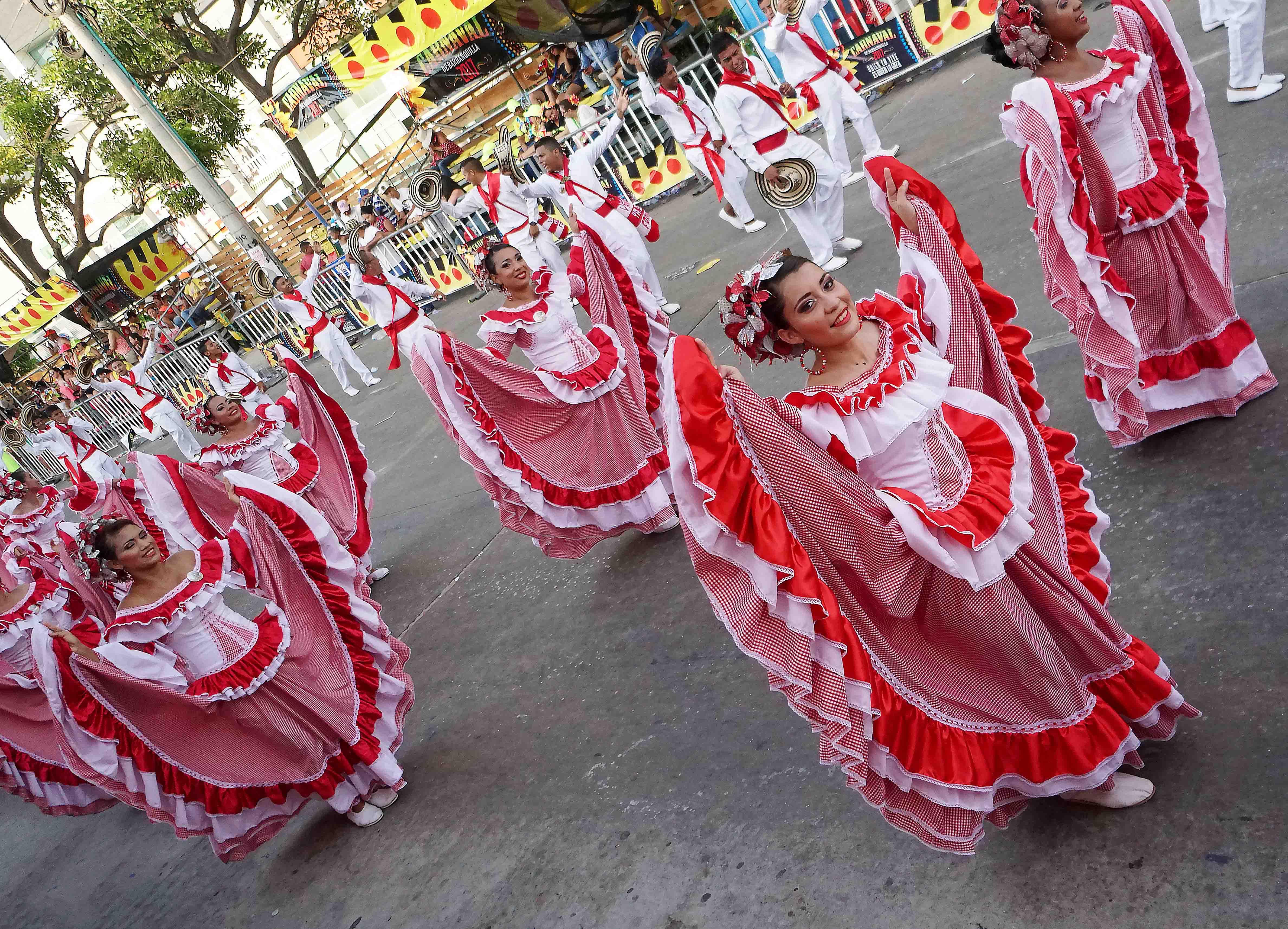 62 Carnaval Dresses up sm
