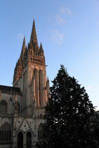 Quimper - Quimper-piazza-della-cattedrale.jpg