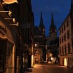 Quimper - Quimper-strade-notturne-e-cattedrale.jpg