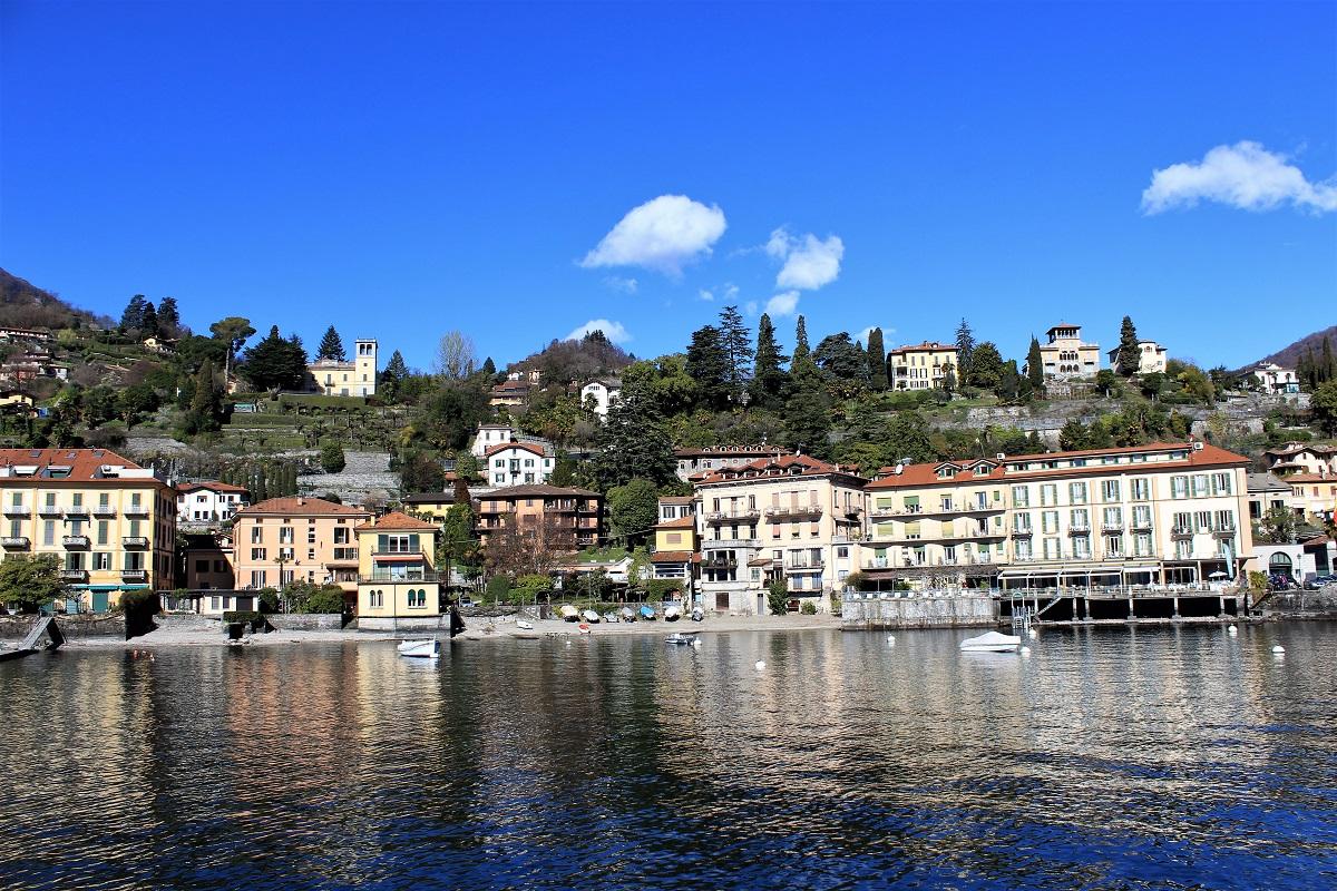 Menaggio vista dal traghetto Lago di Como