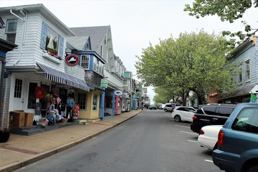 Martha's Vineyard Circuit Ave