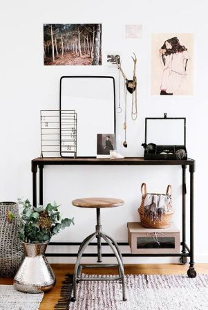 The urban chair pairs well with the silver plant pot and accessories stand.