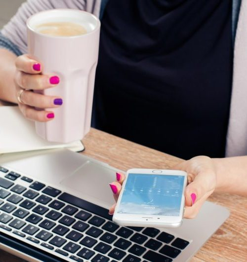 Moms need to be able to multitask, but is that the best way to be efficient? To be a better multitasker you need to have a singular focus that you can shift. Check out these tips to multitask.