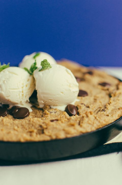 Garbanzo Bean Skillet Cookie